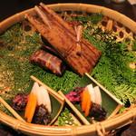 井中居 - 飯 湿地茸おこわ竹皮蒸し 銀杏 人参 油揚げ 香の物
