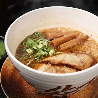 魚介黒醤油ラーメン