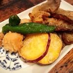 石塀小路 豆ちゃ - 季節野菜の天ぷら。