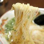 暖暮 - 麺は、細麺のストレート。
