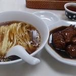 72780677 - ・豚脚麺 1030円