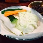 小倉山 - お通しは野菜スティック!