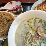 鳳春軒 - 料理写真:2017年9月8日  Eセット(ラーメン、餃子、半チャーハン)