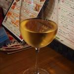 こだわりワイン酒場ヴィンゴ - 白ワインをグラスで。(2017/8/6)
