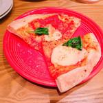 ダイニングバー&テラス イブ - 3200円コースのピザ