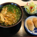 めん吉 - 料理写真:ごぼう天うどん=420円 いなり 2個=140円