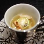 麻布十番松栄寿司 - 松茸と鱧のお吸い物