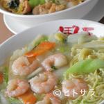 """ぼん天 - 東村山名物の""""黒焼きそば""""が食べられる本格中華料理店"""