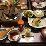 旬 和食 あらたま庵 - 料理写真:松茸釜めし膳