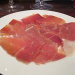 角打ワイン 利三郎 - スペイン産ハモンセラーノ