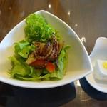 ボンカフェ - セットのサラダとお味見の豆腐