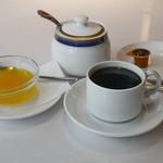 ラージ・マハール - オレンジゼリー、コーヒー