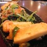 肉の田じま - キムチ盛り合わせ