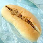 緑町のパン屋さん クラウン - カレーソーセージ270円