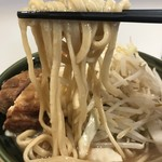 ハイパーファットン - 【2017.8.23】村上朝日製麺の平打ち気味の中太麺。