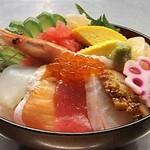 レストラン しん愛 - 料理写真:京都中央卸売市場から直送!この海鮮丼がこの価格!