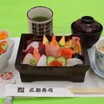 三朝寿司 - ちらしセット