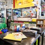 東桜パクチー - タイの大衆食堂のような雰囲気