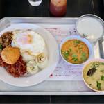 東桜パクチー - バンコクランチ+目玉焼き&ご飯大盛り