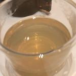 エミット フィッシュバー オイスター&グリル - オイスタースープのアップ