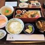 大志満 椿壽 - 和朝食。