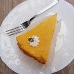 手作り雑貨とコーヒーのお店 ティニーガーデン - 料理写真:かぼちゃのチーズケーキ 2017/09