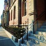 CAFE1894 - 階段の上が入口