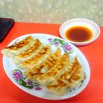 第一食堂 - 餃子500円