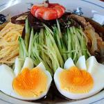 中華そば おはる - 中華そば おはる @門前仲町 涼拌麺 反対側からの眺め ゆで卵は特別サービス
