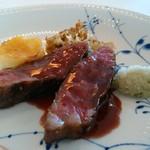 72813661 - 和牛のステーキ アロマフレスカスタイル 赤ワイン風味