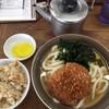 牧のうどん - 料理写真:コロッケうどん410円とかしわ飯190円