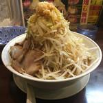 みちる屋 - みちるメン中盛野菜マシマシニンニク普通