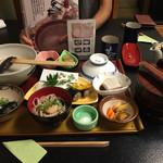 自然薯 茶茶 - 竹の定食。ご飯おかわり自由