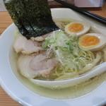 麺屋 神 - 塩らーめん+全部のせ。650円+200円