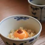 福日和カフェ - ご飯に玉子をのせて、自家製のもろみをONしてTKGに