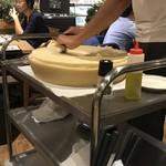 熟成肉LAB DA★BUTCHERS - 【2017.8.25】ラクレットチーズ。