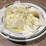 熟成肉LAB DA★BUTCHERS - 【2017.8.25】お通しのラクレットチーズ。