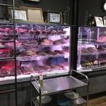 熟成肉LAB DA★BUTCHERS - 【2017.8.25】透明なガラスケースの熟成庫。