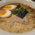 哲麺 - 料理写真:豚骨ラーメン 醤油