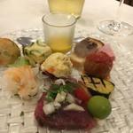 ヴィア デル サーレ - 前菜盛り合わせ!が多種すぎて書ききれない!どれもおいしい、個人的には鰹とセロリの組み合わせが素敵でした。あとやっぱりゼッポレが好き!