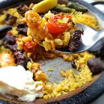ラ ボデガ - 海老と牛煮込み・マッシュルームパエリャ