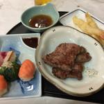 湯の川プリンスホテル渚亭 - 料理写真:夕食