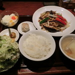 サンコウエンチャイナ・カフェ アンド ダイニング - 茄子と豚肉の辛子炒め定食980円
