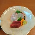 炭焼きうなぎの魚伊 天五店 - お造り 鯛と鮪