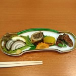炭焼きうなぎの魚伊 天五店 - 三種盛り 鰻の燻製が美味しい