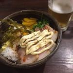 炭火焼鳥八金亭 - マヨ焼き豚丼
