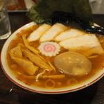 GRAVITY EKODA BASE - 料理写真:特製中華そば850円