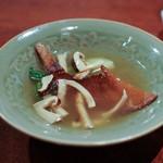 にしぶち飯店 - 松茸と焼いたふかひれ