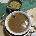 焼肉 はせ川 - ウニトンコツラーメン:そこにはウニの塊が沈んでます。