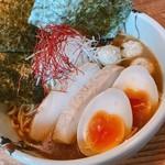 アール キャンプ - 濃厚鶏白湯煮干しラーメン 特盛